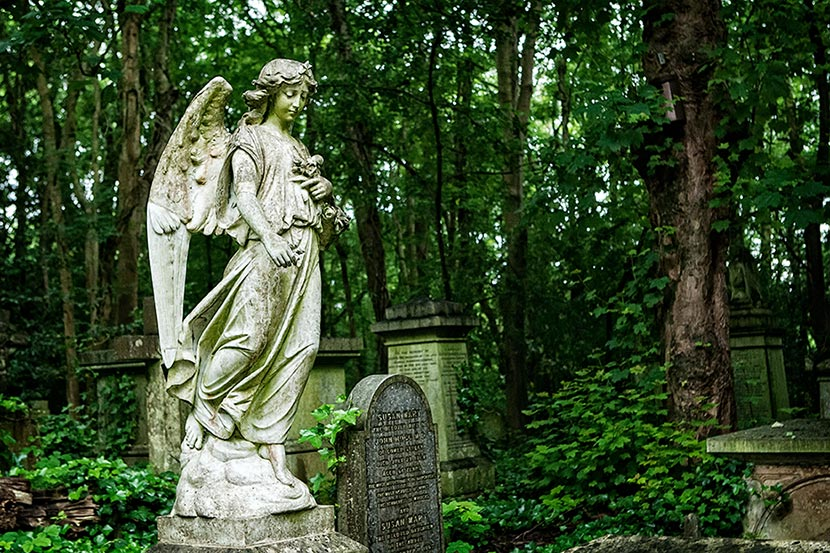 Highgate Cemetery | © Kelly Jo Photography